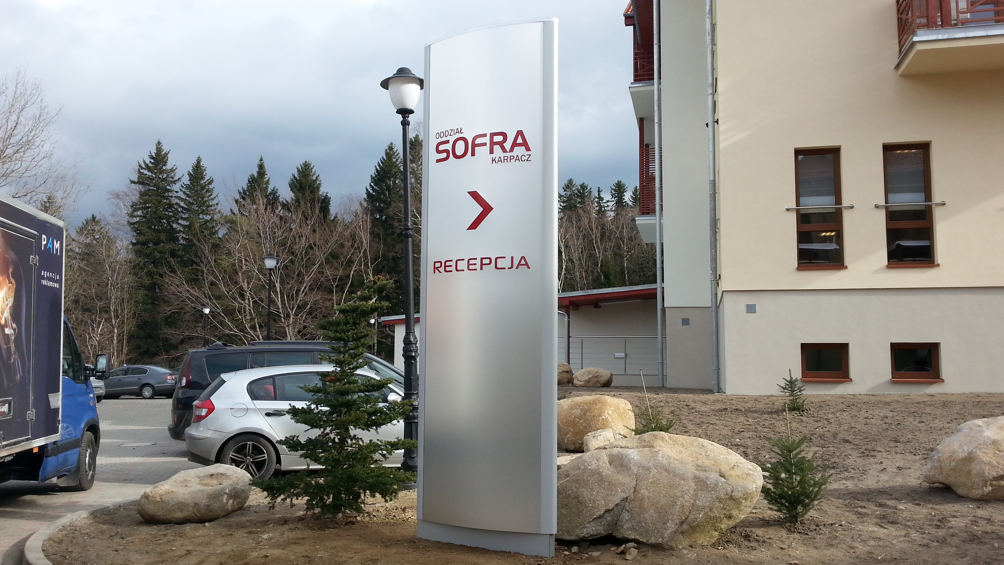 Pylon reklamowy Sofra