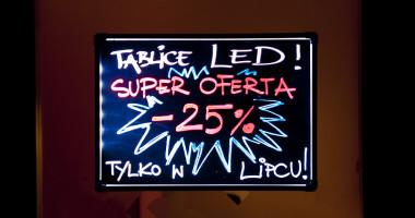 Tablice fluorescencyjne