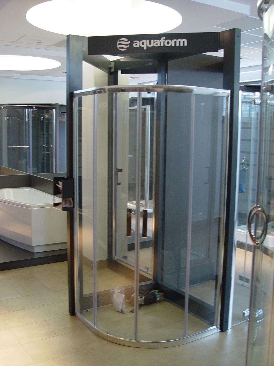 Ekspozytor Aluminiowy na 4 kabiny